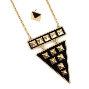 Jewelry - Black & Gold necklace